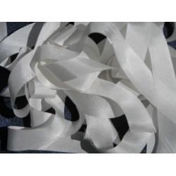 Белые ленты