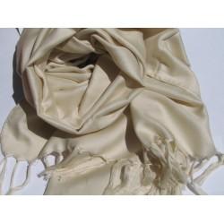 Шелковые шарфы и платочки